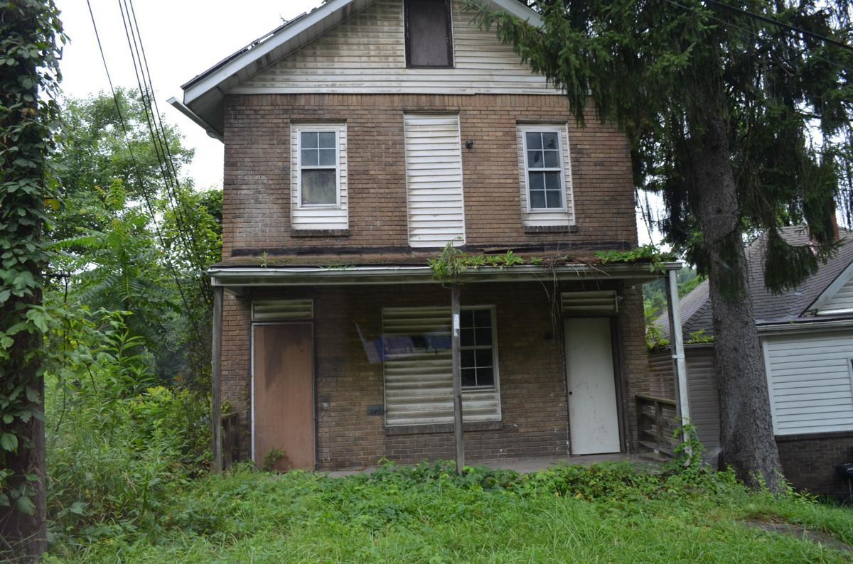 407 Robinson St.