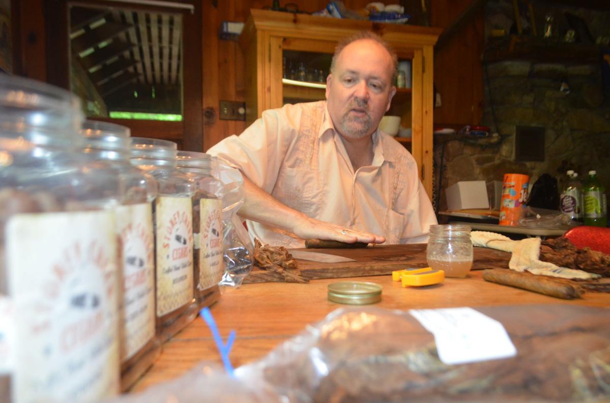 Stoney Chaffin cigar craftsman