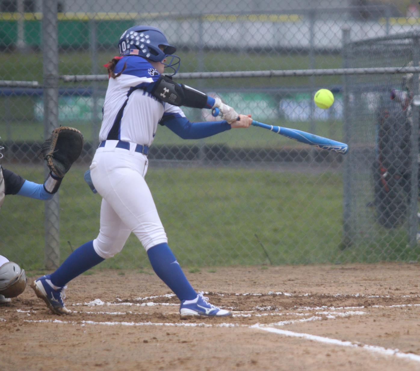 Liz Murphy hits