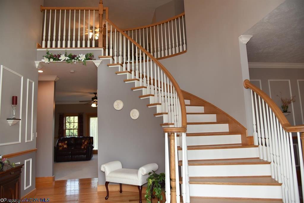Foyer steps