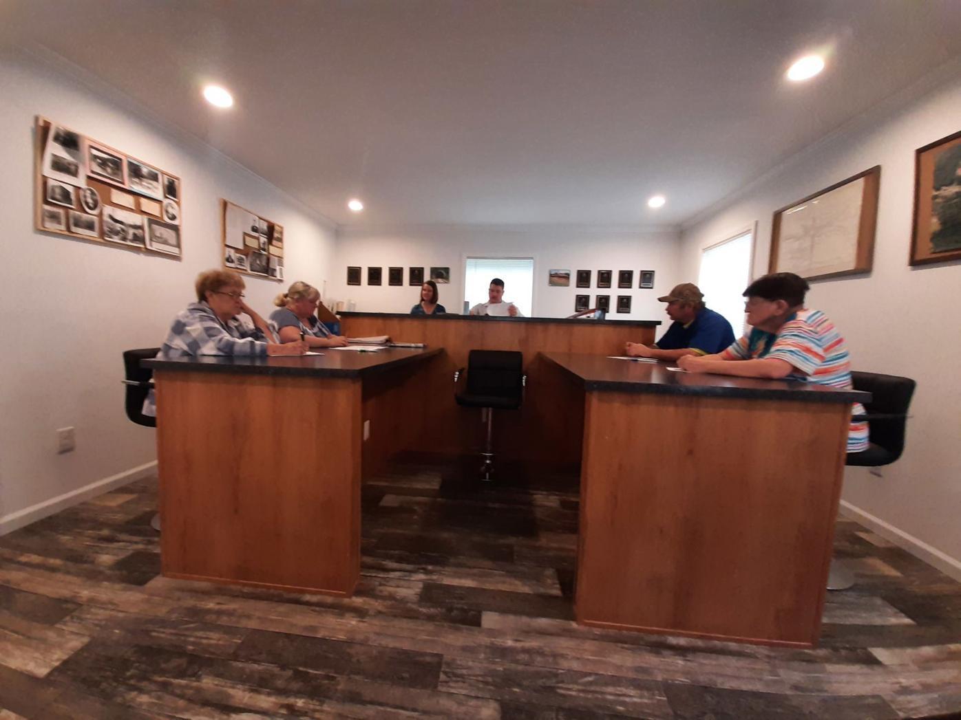 Tunnelton Council