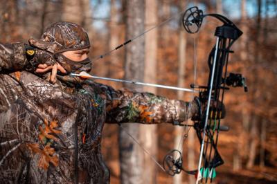 Archer hunting - dnr photo