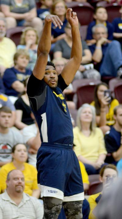 WVU basketball alumni 0616 Kevin Jones jumper
