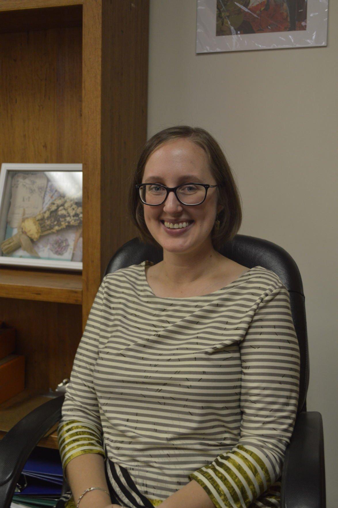 Anna Chlumsky | NewDVDReleaseDates.com  |Anna Revs