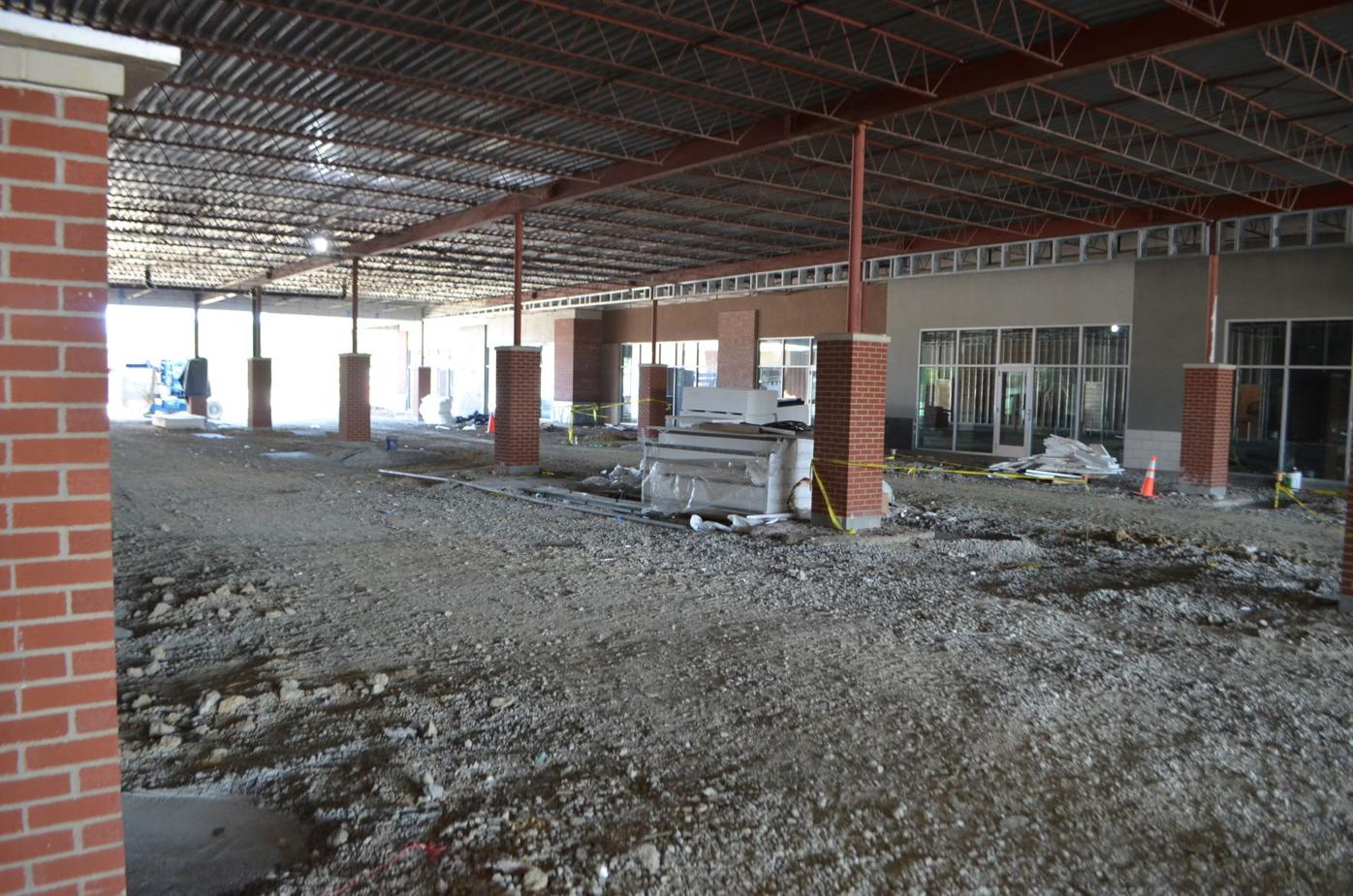 Middletown Commons - interior road