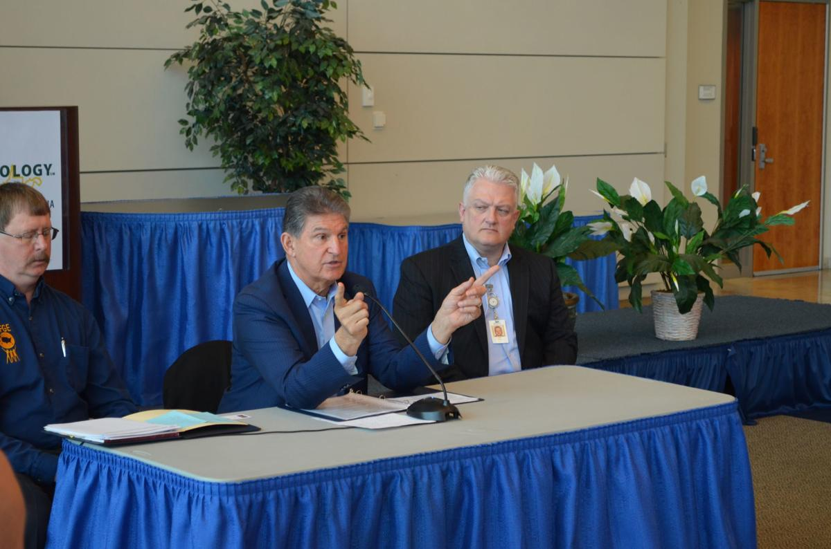 Manchin at roundtable discussion