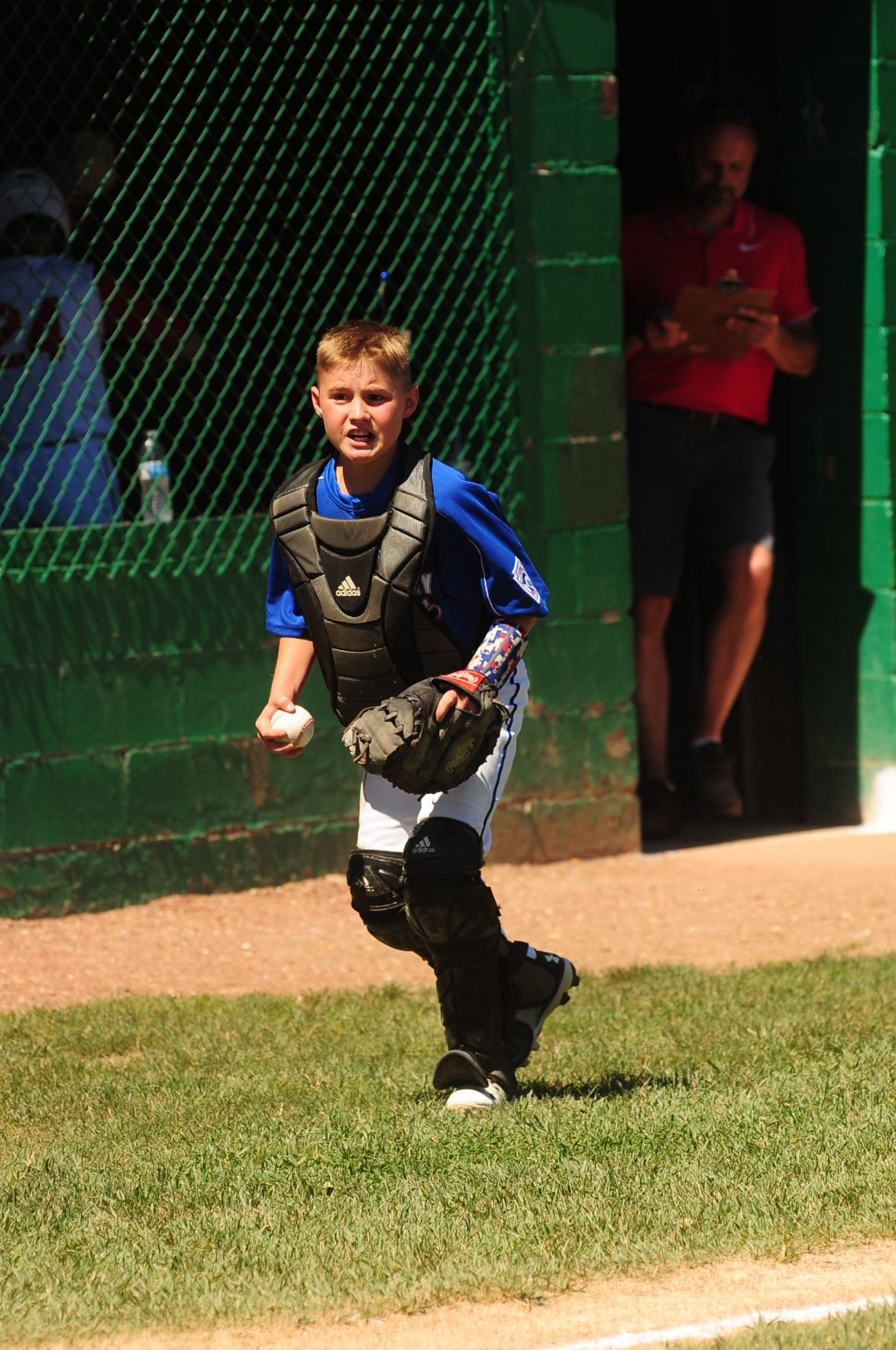 Preston Conner Osborne comes up with a great foul ball pop up c atch.JPG