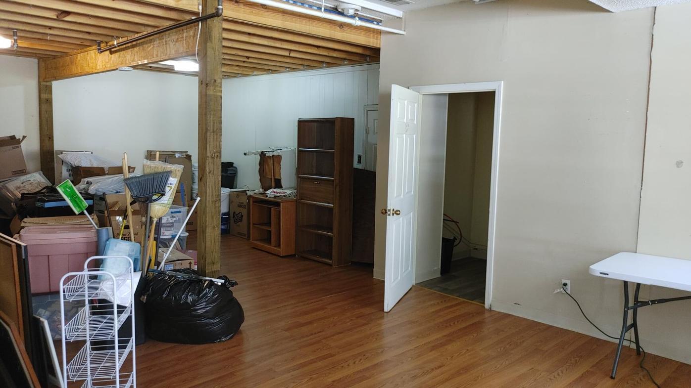 10 Locust Ave. interior