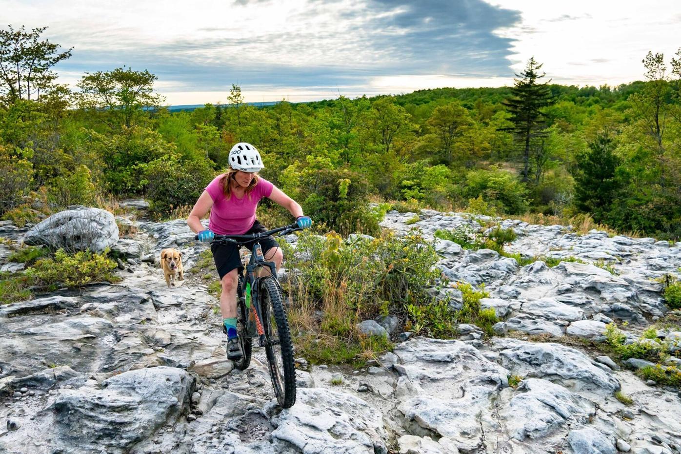 Moon Rocks Loop Trail