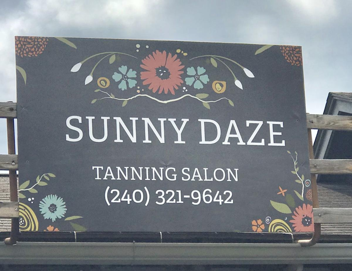 Sunny Daze sign
