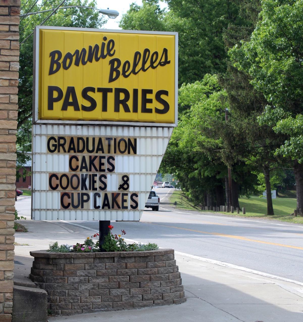 Bonnie Belle's Pastries sign