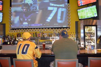 WVU fans at bar