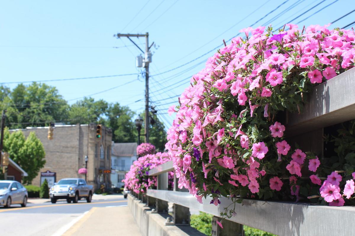 Bridgeport flowers on bridge