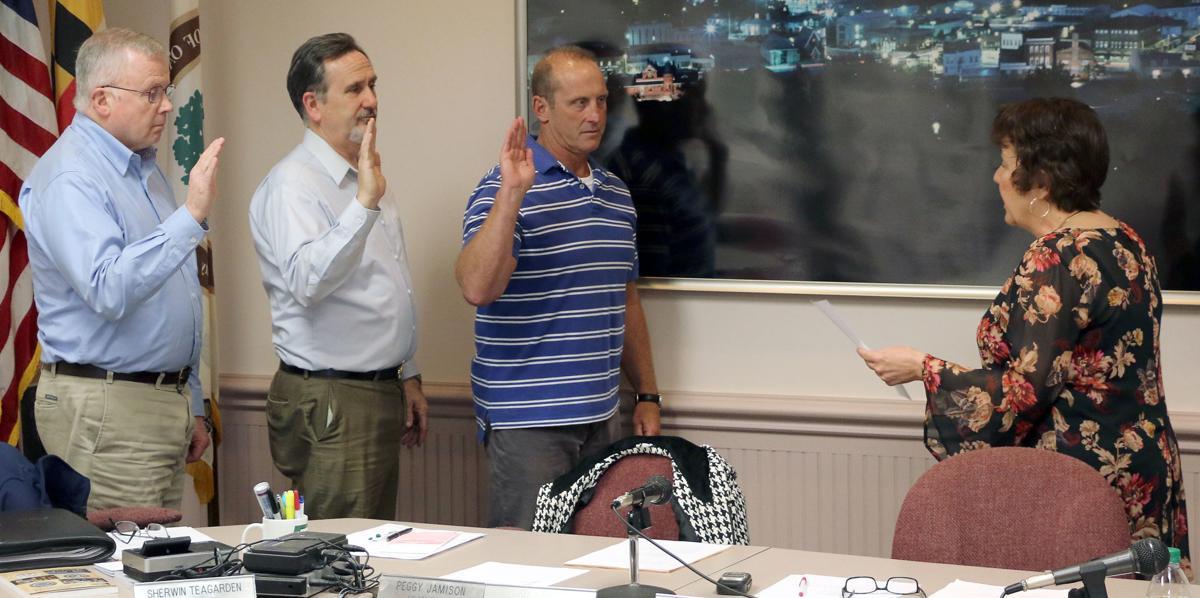 Councilmen sworn in