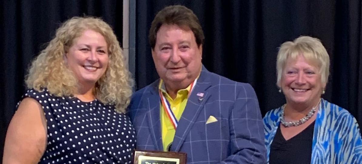 Umbel with award