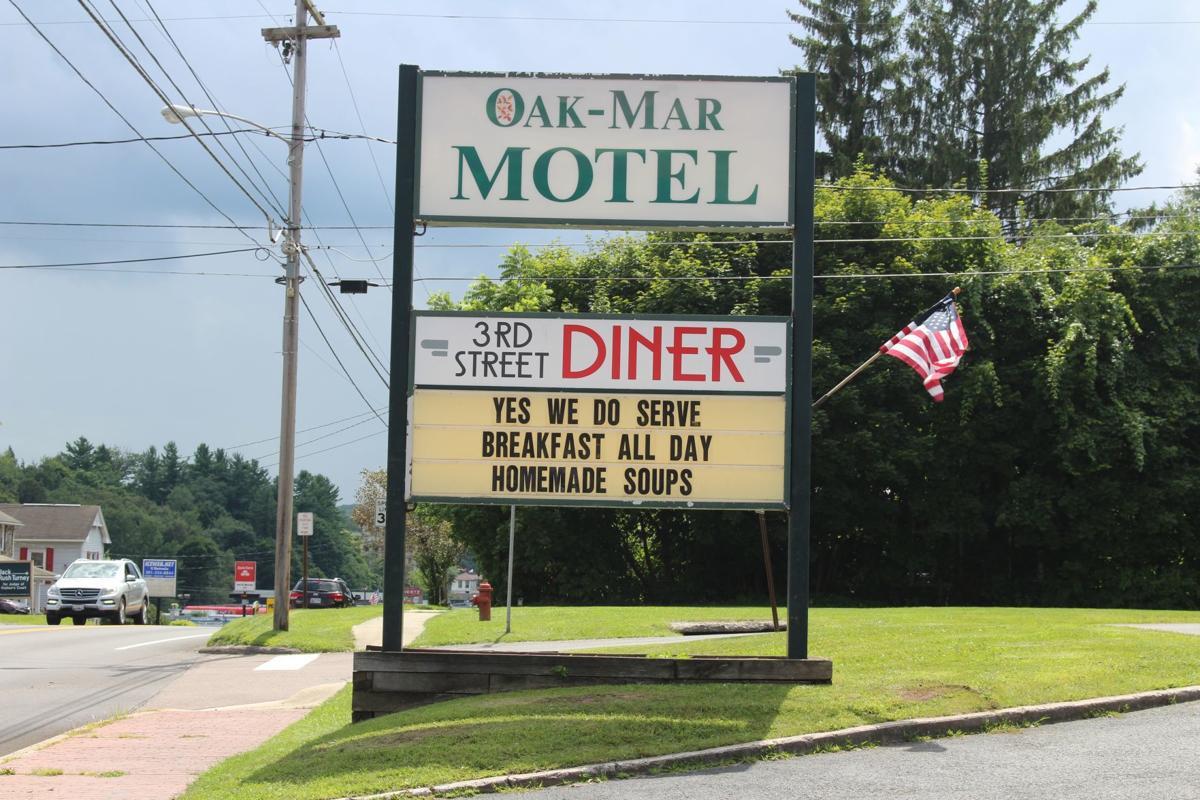 3rd Street Diner sign