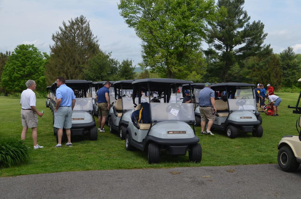 2019 Golf Outing - carts