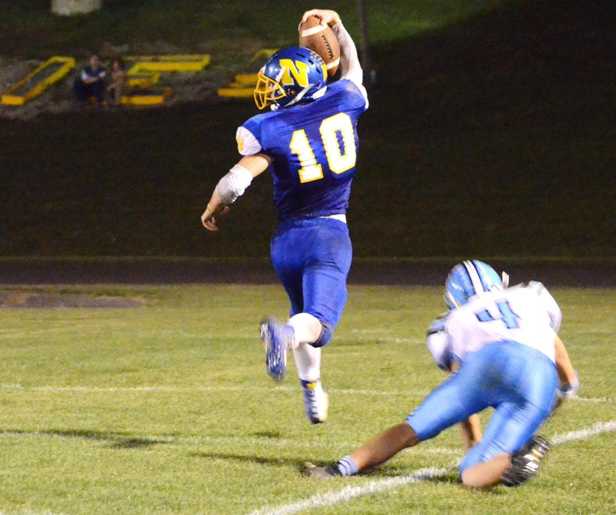 Peyton Carr runs to the end zone