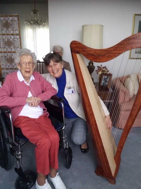 Linda Lawson with harp