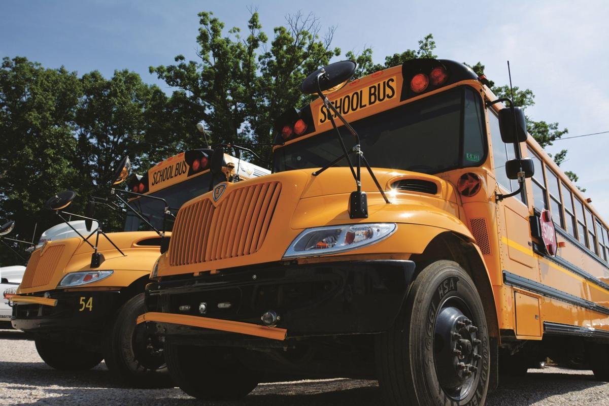 IC CE school buses