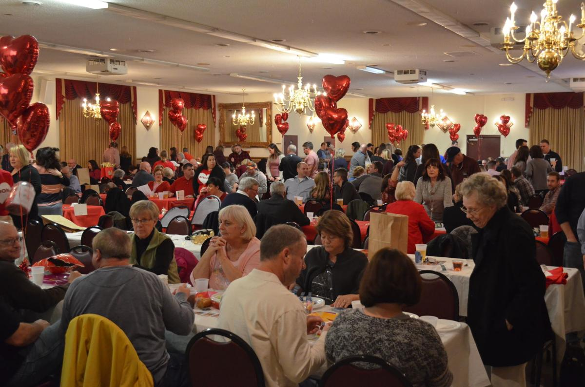 2019 Spread the Love Elimination Dinner - crowd