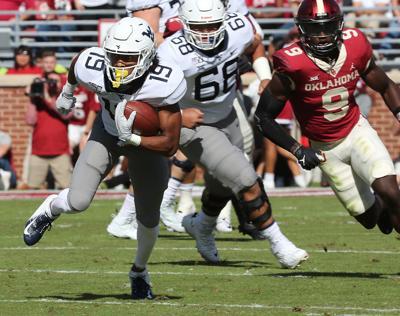 Jennings heads up field