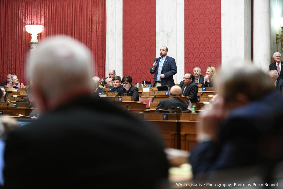 House passes pay raise bill