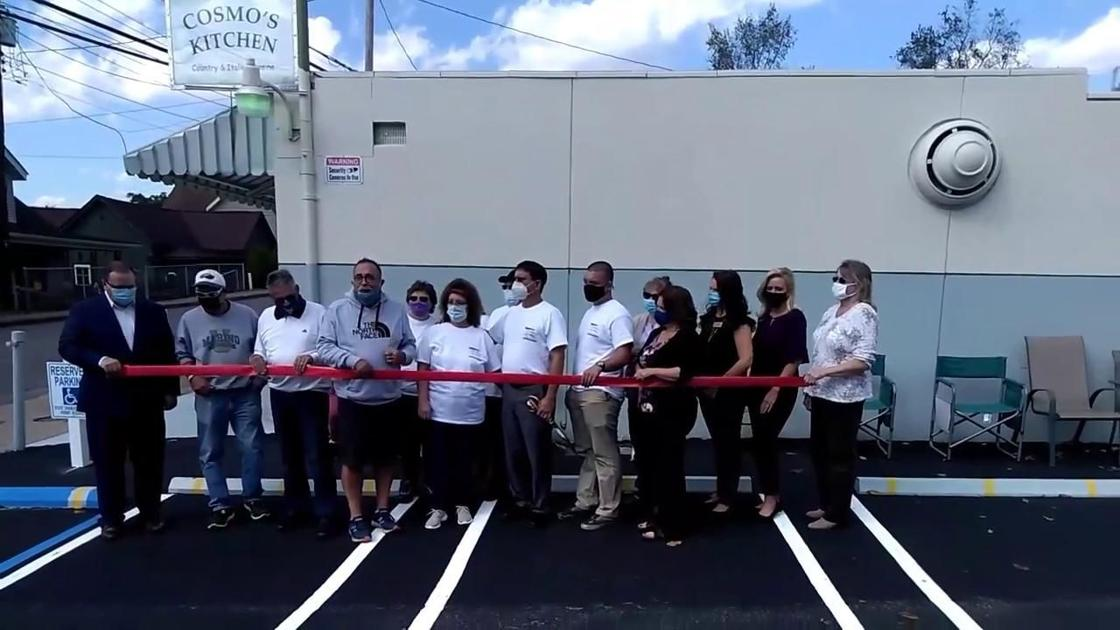 Before Cosmo S Kitchen Opens In Clarksburg West Virginia S Northview Neighborhood The Ribbon Is Cut By Owners News Wvnews Com