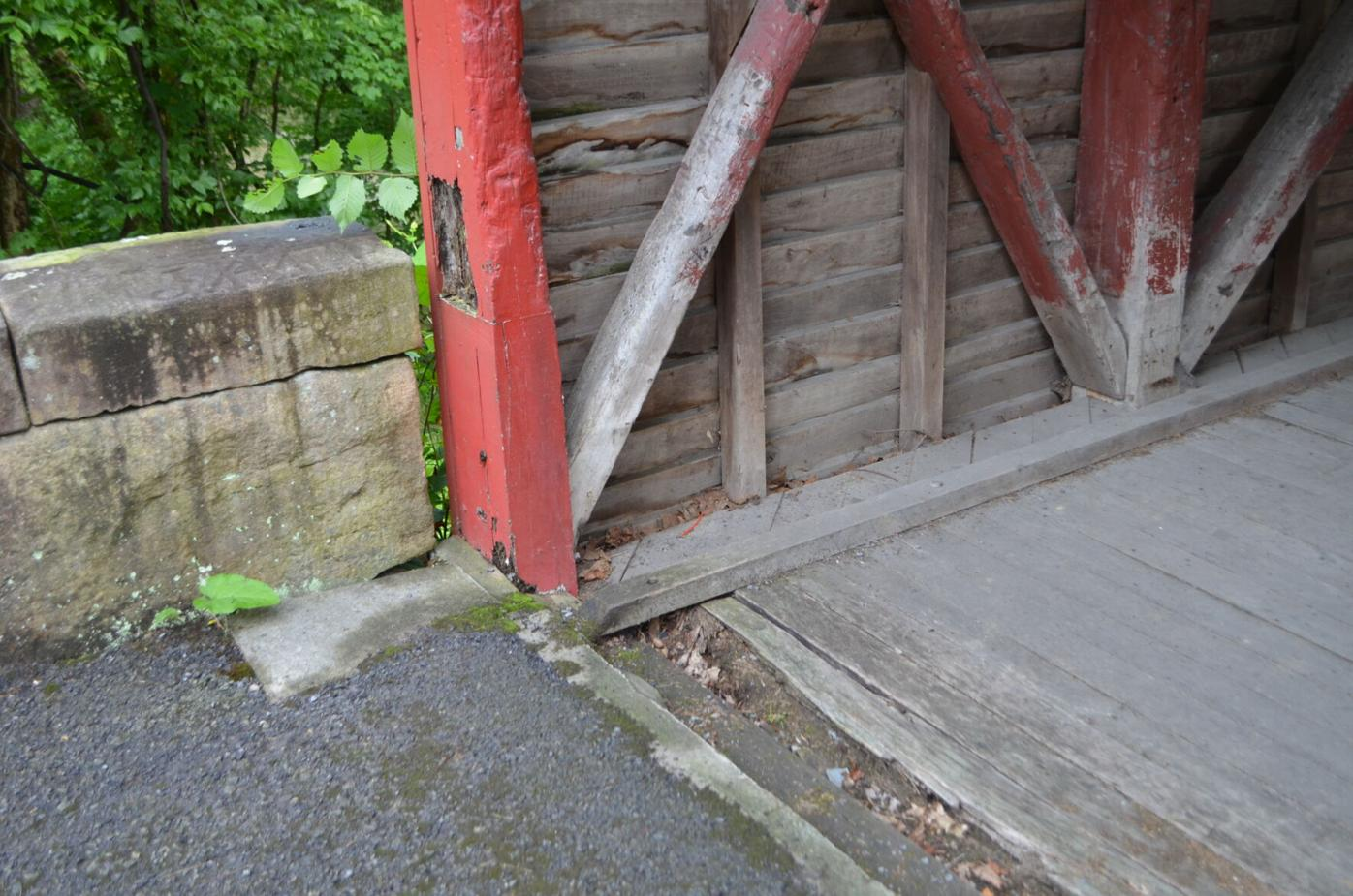 Barrackville Covered Bridge rot
