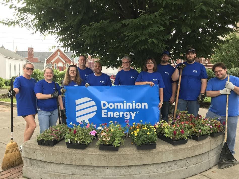 Dominion employees volunteering