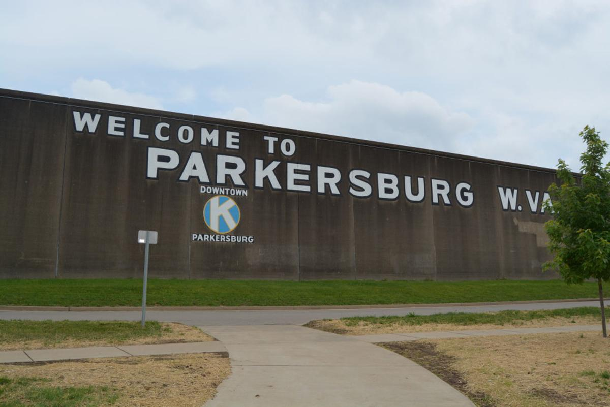 Parkersburg flood wall