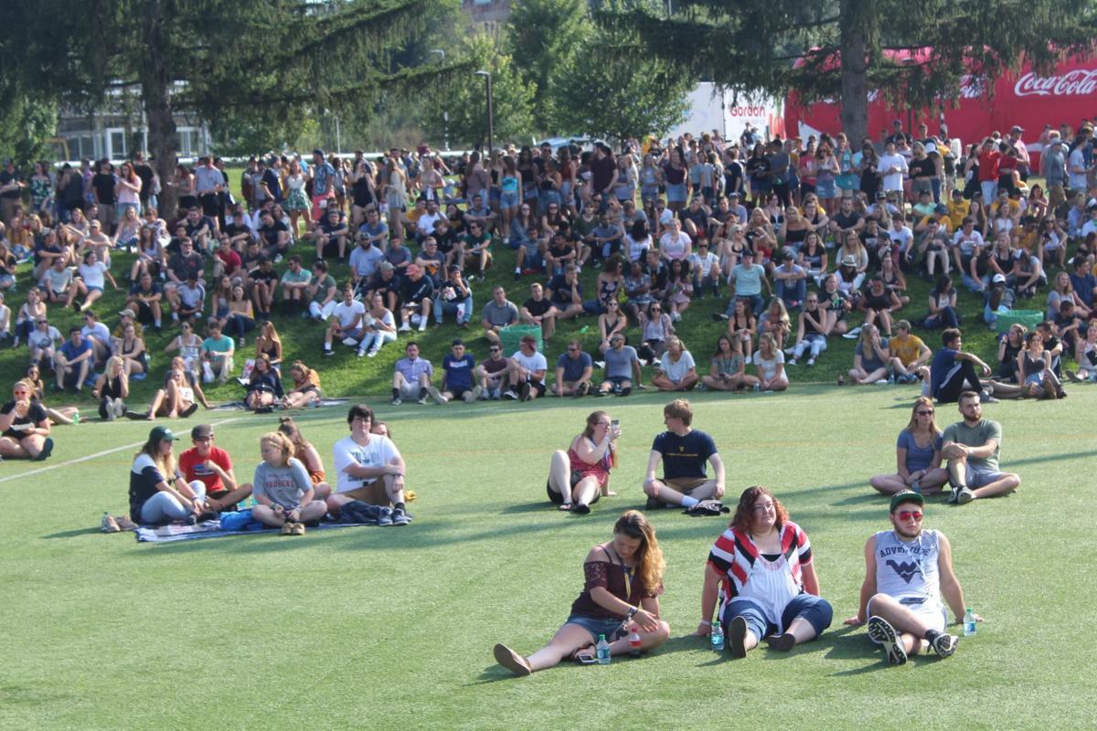 fallfest crowd
