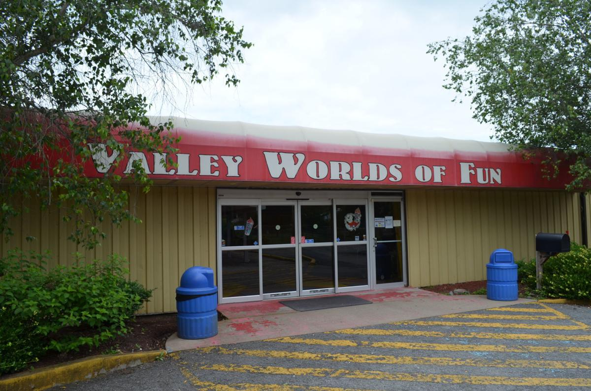 Valley Worlds of Fun exterior