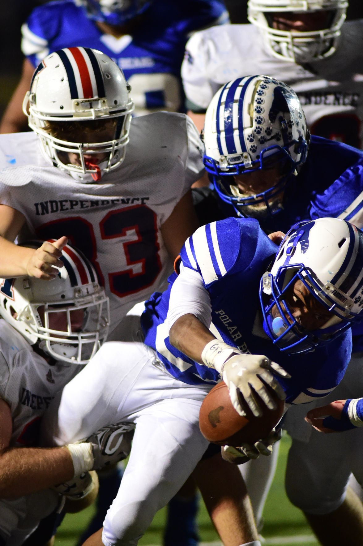 AA Fmont 21 Cunningham gets a short yardage TD in the 3rd qtr to open a large lead on Indy.JPG