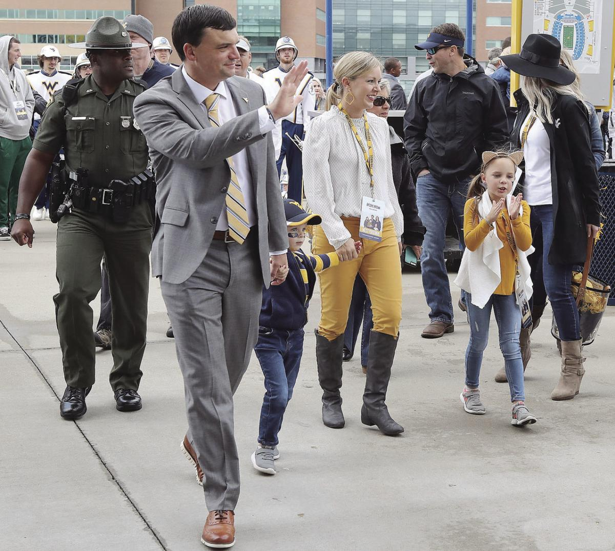 1014 Neal Brown and family Mantrip.jpg
