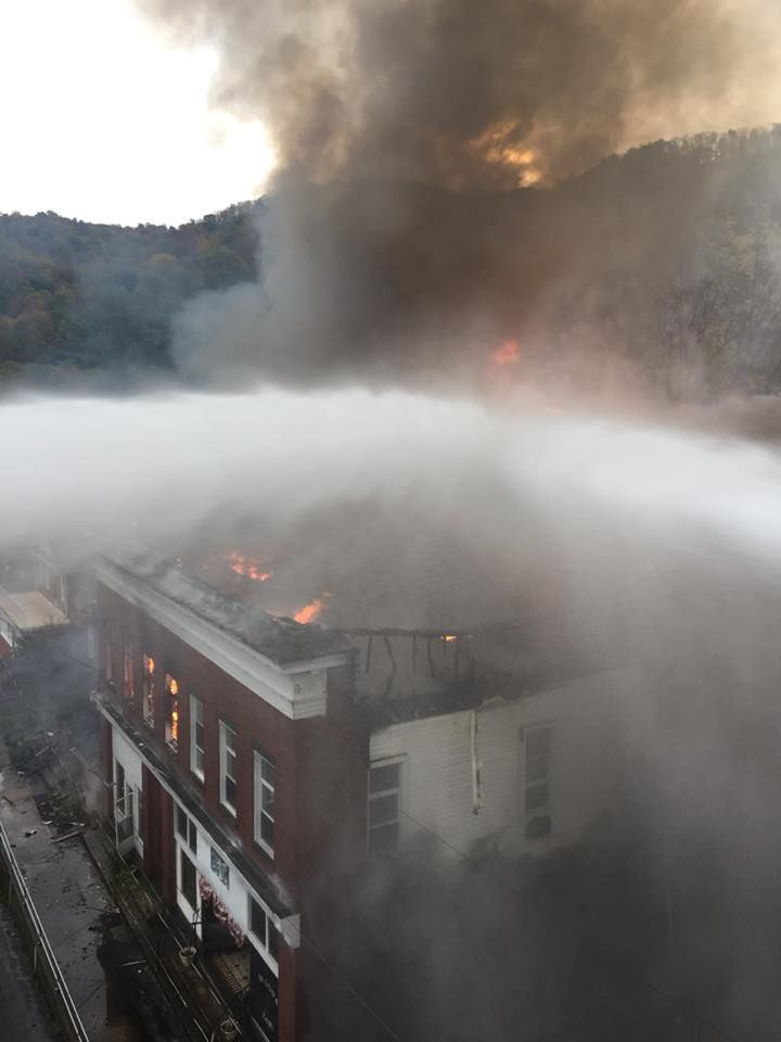 Kingwood Volunteer Fire Department fights fire