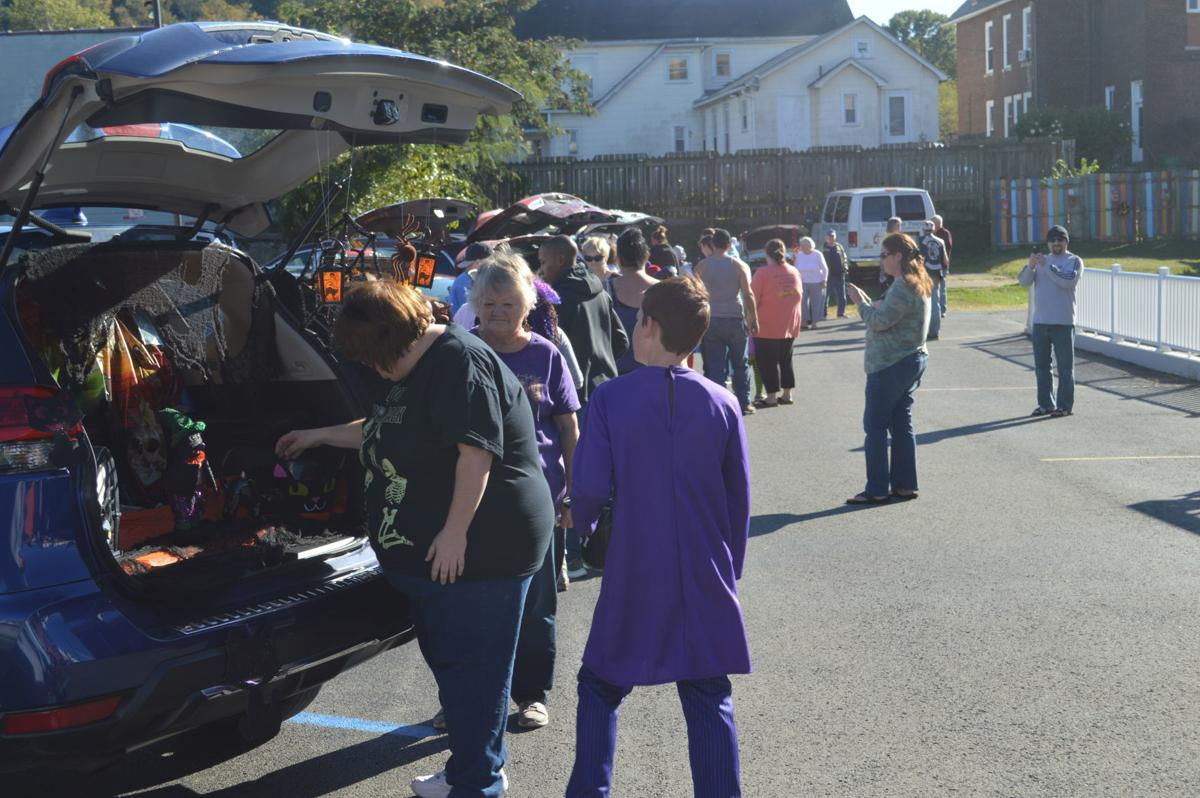 Line of trunk or treaters