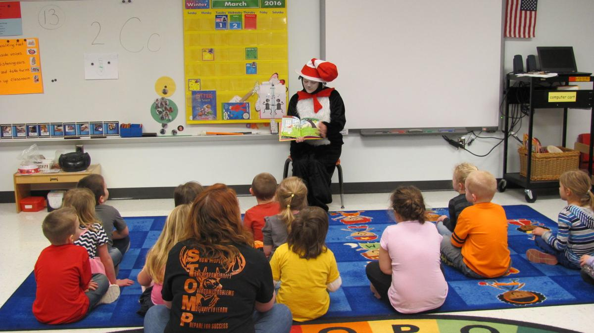 Cat in the Hat visits Kingwood Elementary