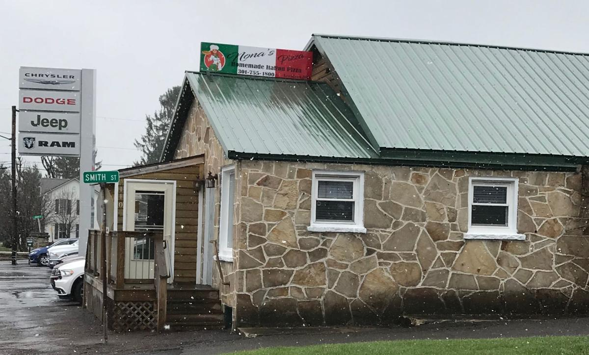 Nona's Pizza comes to Main Street in Accident | News