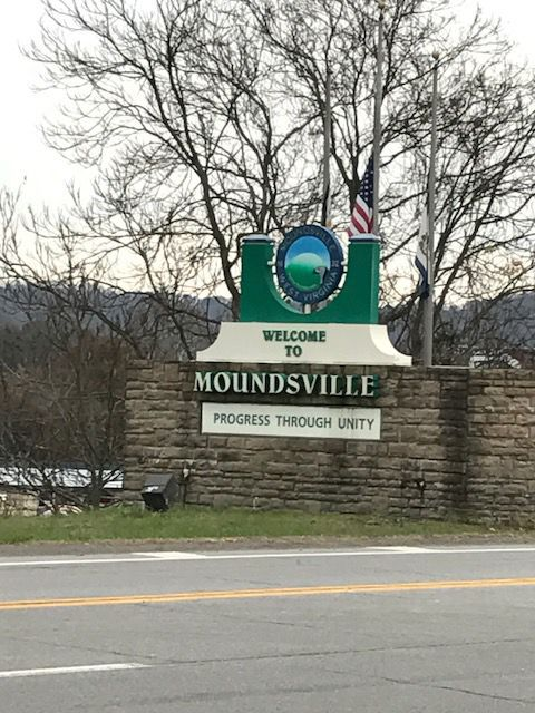 Moundsville welcome sign