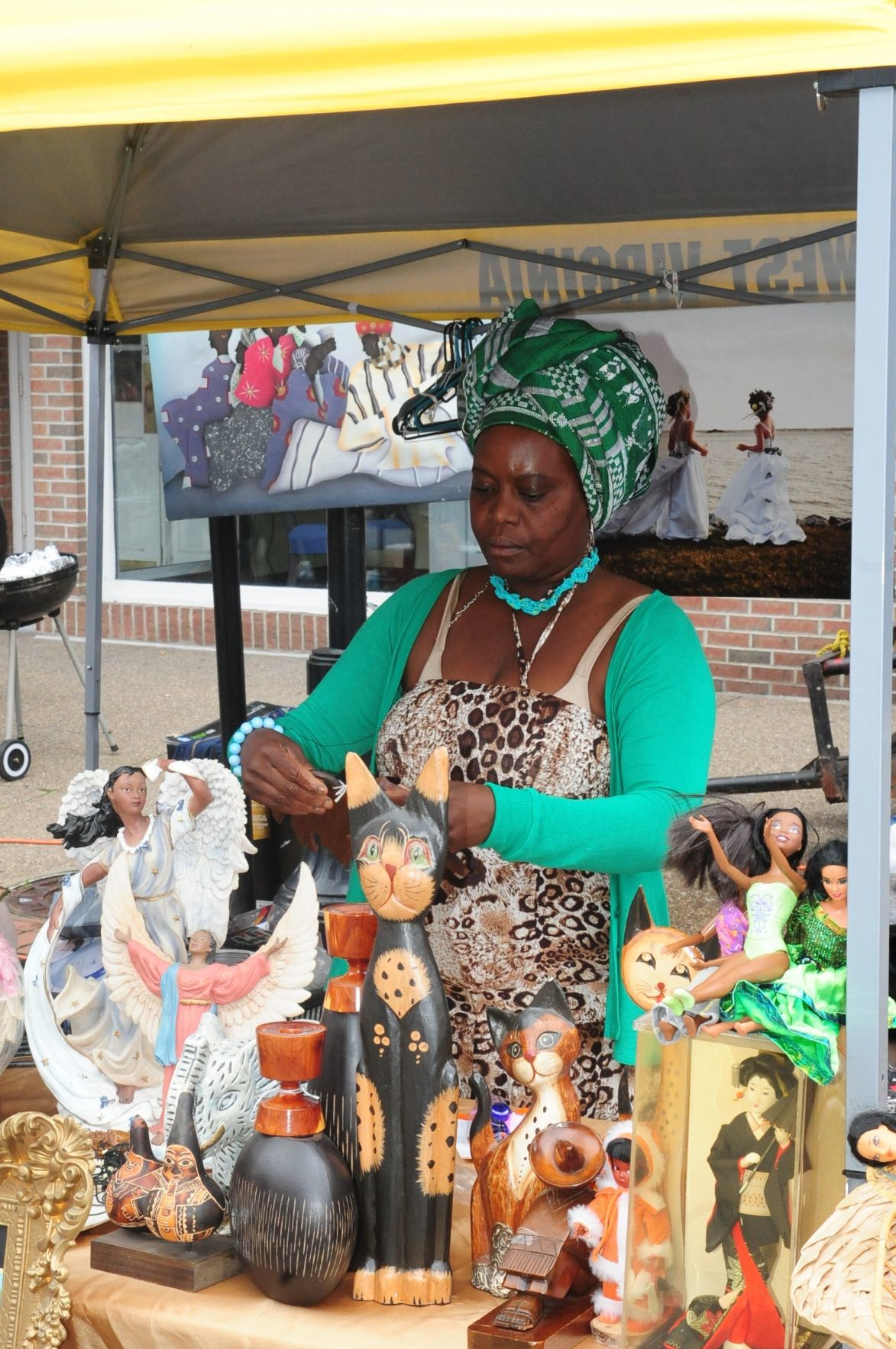 African art and wares