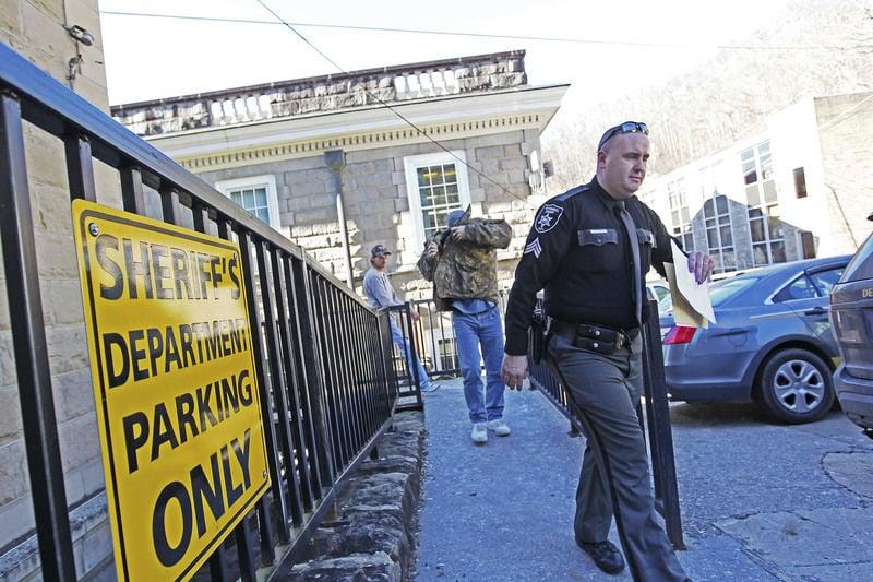 Police round up Oceana area drug dealers