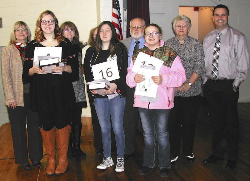 Mullens 8th grader wins 2016 county spelling bee