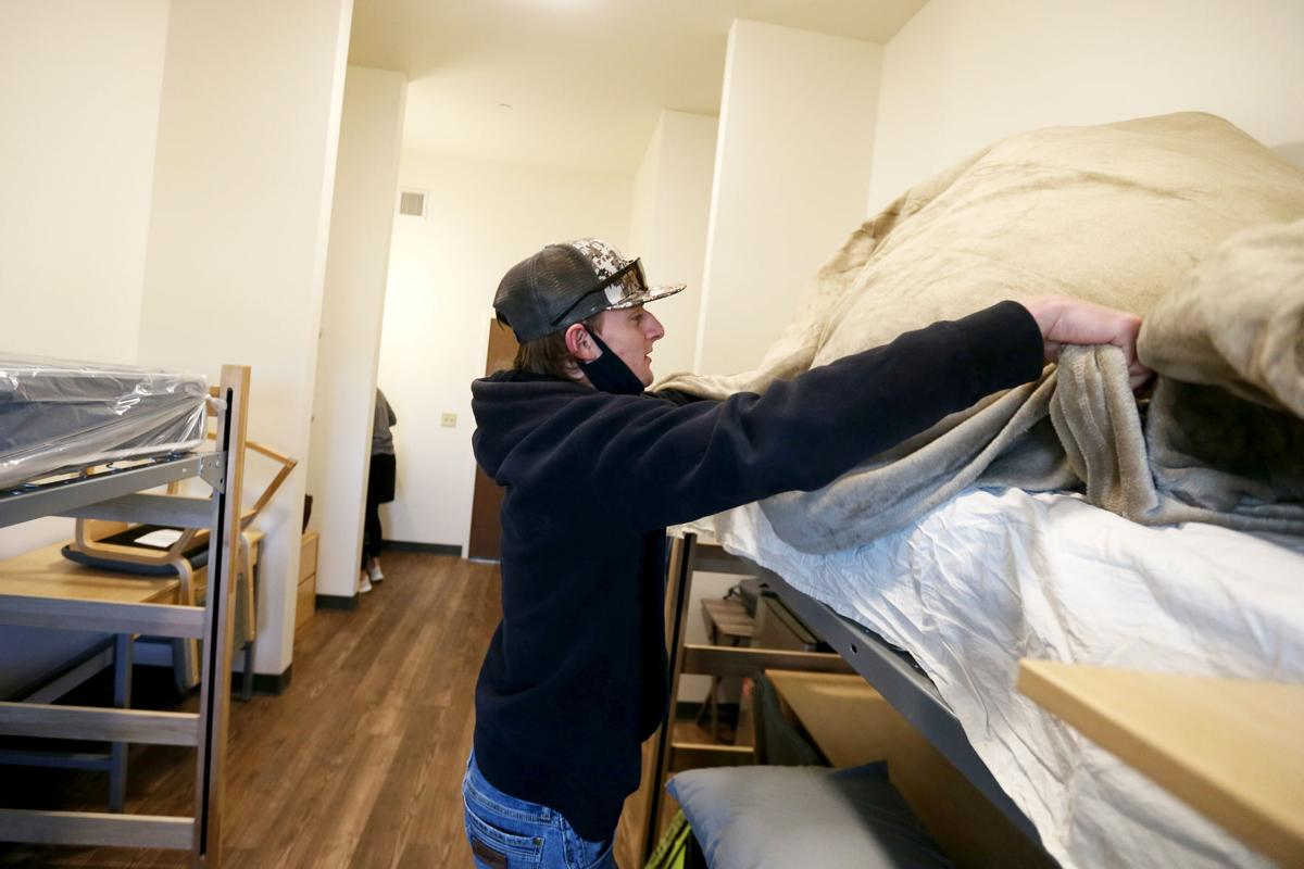 LCCC students move in, COVID-19 restrictions to continue during spring semester
