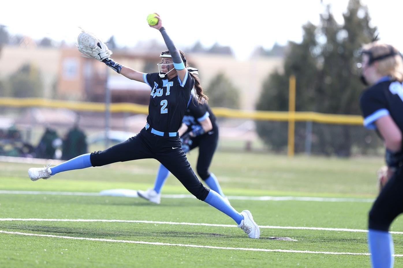 20210430-spts-eastsoftball-mc-1.JPG