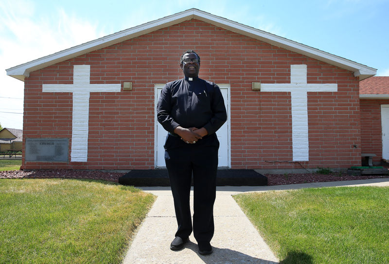 Pastor returns to Cheyenne after 52 years in ministry   Wyoming News