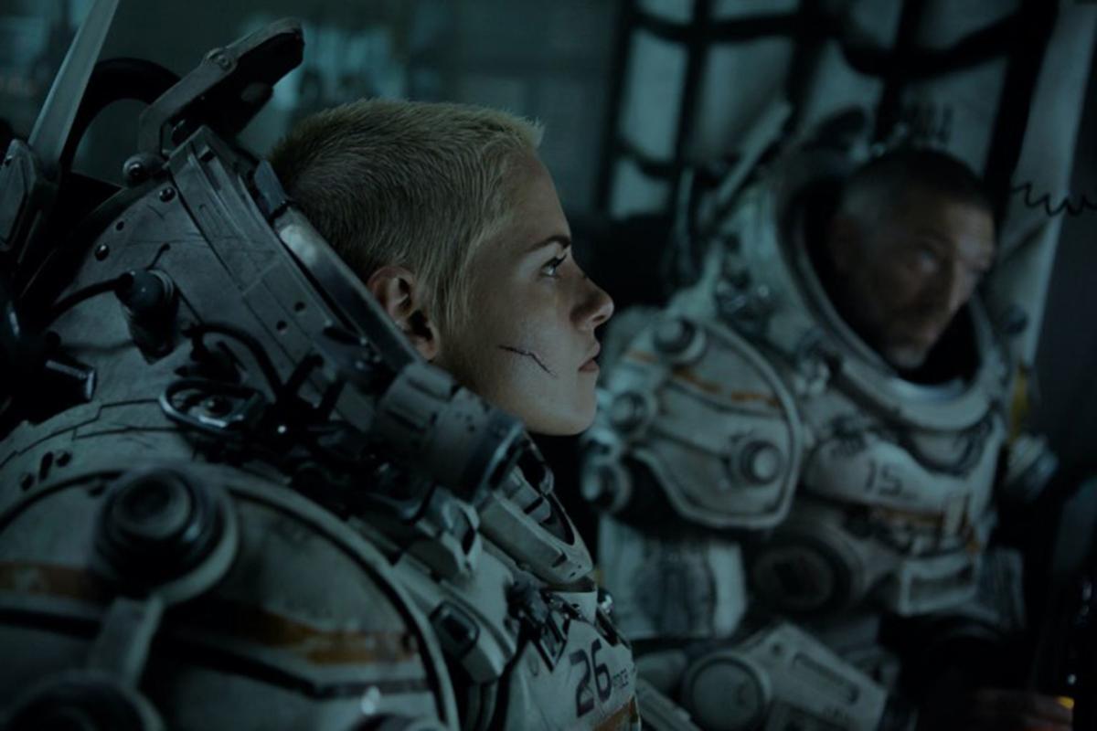 In Underwater Kristen Stewart Has Her Ellen Ripley Moment Under The Sea Movies Wyomingnews Com