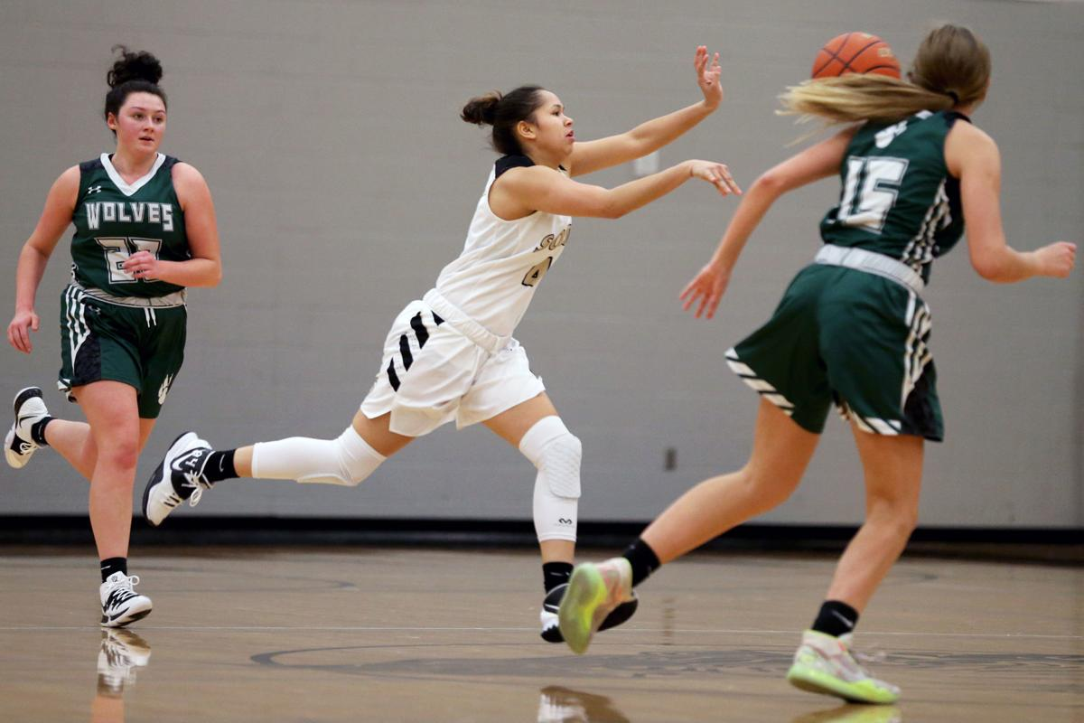 20200112-spts-southgirlsbasketball-mc-1.JPG