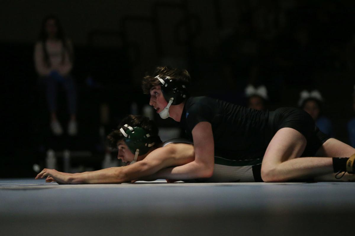 20200122-spts-wrestling-mc-1.JPG