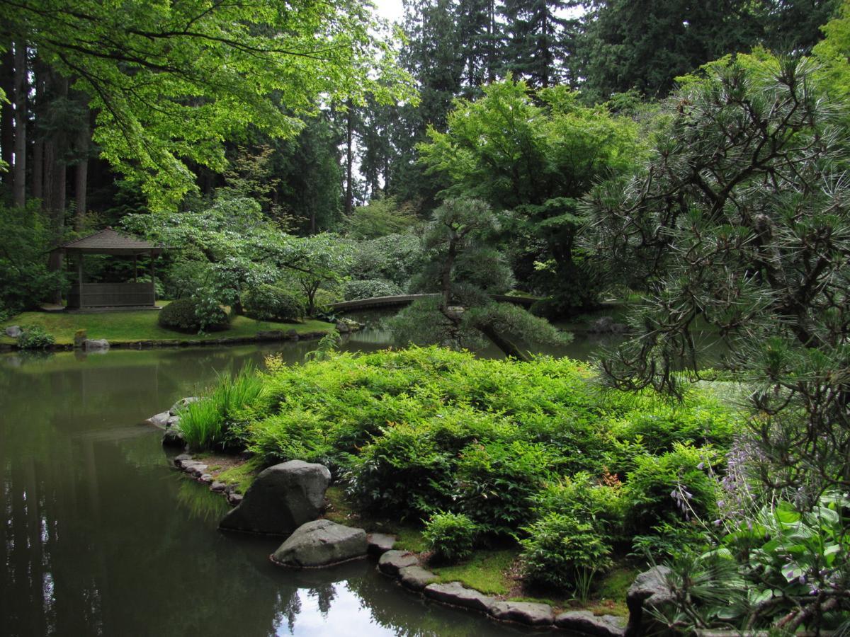1 University of British Columbia - Nitobe Memorial Garden, Barb Gorges.JPG